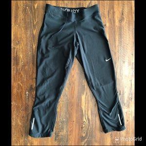 Nike dry fit capris